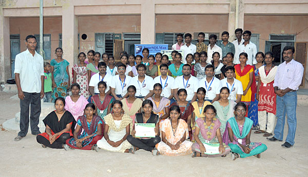 Kadaladi Arts & Science College Attendees with Teachers & Volunteers