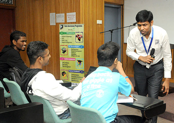 Interaction by Stamford College Students at Data Awareness Programme.